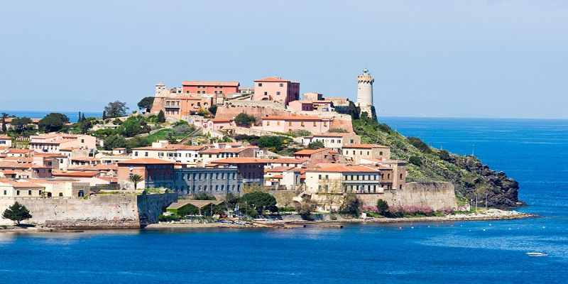 Mini-cruise  to Elba Island and visit to Massa Marittima, Siena and Florence.